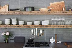 Inside Athena Calderone's Bright Hamptons Home - Living - Rip & Tan Kitchen Chairs, Kitchen Shelves, Kitchen Backsplash, Hamptons House, The Hamptons, Hamptons Kitchen, Interior Design Kitchen, New Kitchen, Decoration