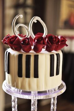 Piano and roses so going to be my 60th birthday cake!