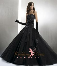 Omg....Never thought I would want a non-white wedding dress but I was WRONG!!!!! Black Wedding Dress