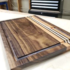 Have holiday gift requests? Cutting boards you say? Check out my tutorial full of all the tips and tricks I've learned over the years for making killer cutting boards! #woodworking #woodworkingprojects Woodworking Projects Diy, Diy Wood Projects, Woodworking Plans, Woodworking Classes, Welding Projects, Woodworking Chisels, Woodworking Basics, Small Wooden Projects, Woodworking Essentials