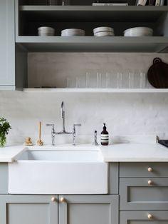 Best of est: European Farmhouse Ceramic Sinks Kitchen Interior, Kitchen Cabinetry, Townhouse, Kitchen Space, Interior, Chrome Frame Chair, Farmhouse Style Kitchen, Kitchen Design, Timeless Kitchen