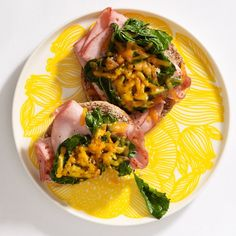 Savory English Muffin http://www.womenshealthmag.com/weight-loss/healthy-breakfast-recipes/slide/4