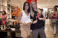 A la tienda Koko & Palenki de Aventura Mall, Florida, llegó el calzado glamoroso y lo hizo de la mano de la diseñadora Adriana Epelboim-Levy, quien presentó la nueva colección de Alepel, integrada por zapatos llenos de color y con sus distintiva (...)