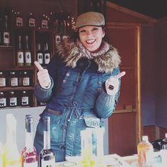 Instagram media by limoncinogiulietta - Kommt doch vorbei und trinkt einen mit uns #wienachtsdorf #sirup #likör #sirupmanufaktur #zuckerpeitsche #limoncino #wienachtsdorf