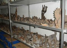 Look at all these examples of Dinosaurs carved in pottery by mankind. Aliens And Ufos, Ancient Aliens, Ancient History, Archaeological Discoveries, Archaeological Site, Green Chakra, Alien Races, Mystery Of History, Ancient Mysteries