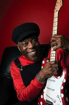 MAÑANA DE BLUES Y ROCK de lunes a Viernes en la radio. Visita www.radiodelospueblos.com y escúchanos por internet !!!  Chicago blues-rock great, Buddy Guy.