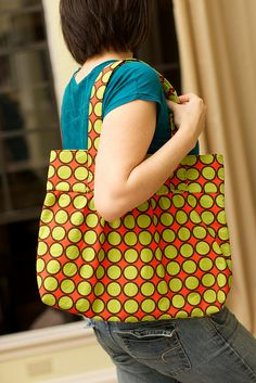 Sew the Diana Hobo Bag With an Awesome Free ePattern by Elizabeth Carroll!