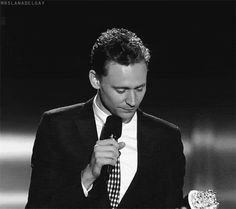The amount of adorablness is kind of killing me. TOM!!! Let me love you!!! Lmao