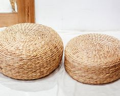 Set of 2 Round Water Hyacinth handmade Placemat, Braided Mat Heat Resistant Hot Insulation, Vintage natural Decor Table Top Tablewares Seagrass Storage Baskets, Wicker Baskets, Natural Weave, Water Hyacinth, Nature Decor, Floor Cushions, Foot Rest, Vintage Decor, Rattan