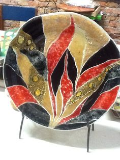 Plato en Vitrofusión Fused Glass Plates, Fused Glass Art, Mosaic Glass, Paint Your Own Pottery, Glass Photo, China Painting, Stained Glass Patterns, Fabric Painting, Plates On Wall
