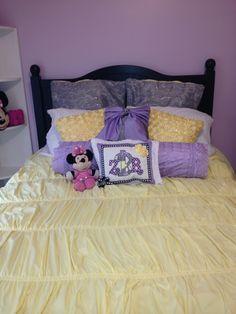 Zoey's custom bedding