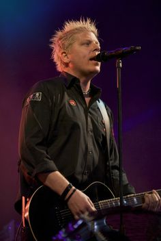 "Brian ""Dexter"" Holland - OFFSPRING"