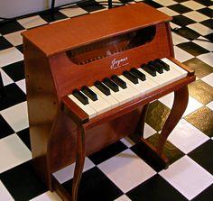 Jaymar 25 Keys Toy Piano : retro designed music store organ69