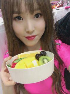 Image about kpop in Gfriend by ティパニ on We Heart It South Korean Girls, Korean Girl Groups, Gfriend Yuju, Asian Love, Korean Entertainment, G Friend, Kpop, Popular Music, Sweet Girls