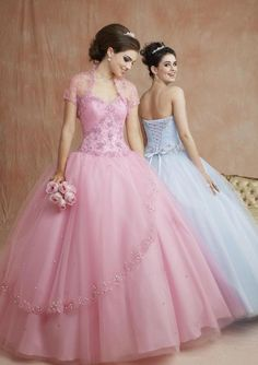 perfect princess dress? comes in white as well as light sky blue <3