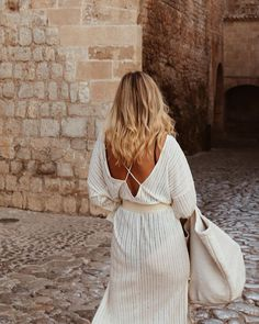 Exploring the old castle - Dalt Vila