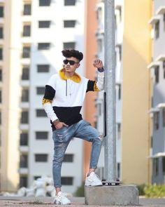 photoshot pose for boy 2020 Perspective Photography, Boy Photography Poses, Fashion Photography, Nature Photography, Blur Background Photography, Editing Background, Picsart Background, Photo Poses For Boy, Boy Poses