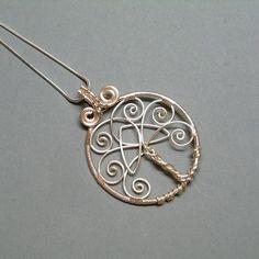 Items similar to Collier pendentif arbre de vie avec noeud celtique Trinity, fil d'argent plaqué enveloppé bijoux on Etsy