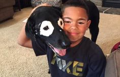 Vitiligo. Zo heet de huidaandoening die enkele jaren geleden werd vastgesteld bij de achtjarige Carter Blanchard uit de Amerikaanse staat Arkansas. Door de...