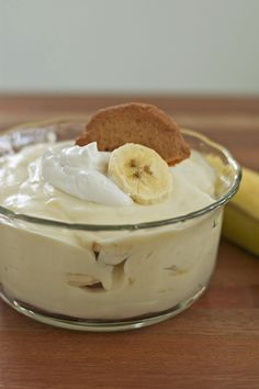 Sweet creamy Banana Pudding made Gluten Free. Try this easy Gluten and Dairy Free Banana Pudding recipe. Gluten Free Sweets, Gluten Free Cooking, Dairy Free Recipes, Vegan Gluten Free, Paleo Vegan, Healthy Recipes, Vegan Banana Pudding, Banana Pudding Recipes, Banana Pudding From Scratch