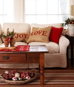 Burlap pillows would be cheap and easy! 50 Simple Holiday Decor Ideas {Easy Christmas Decorating} Saturday Inspiration and Ideas - bystephanielynn Decoration Christmas, Burlap Christmas, Noel Christmas, Country Christmas, Winter Christmas, Christmas Pillow, Christmas Cushions, Christmas Crafts, Holiday Decorating