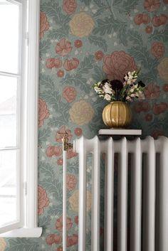 Morris Wallpapers, Blue Wallpapers, Harlequin Wallpaper, Pattern Wallpaper, Home Interior, Interior And Exterior, Interior Ideas, Retro Tapet, Marimekko Wallpaper
