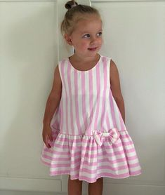 Rosado Baby Girl Dress Patterns, Baby Clothes Patterns, Dress Sewing Patterns, Little Girl Dresses, Kids Outfits, Toddler Outfits, Baby Frocks Designs, Kids Frocks, Ideias Fashion