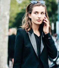 trail blazer. Andreea #offduty in Paris. #AndreeaDiaconu