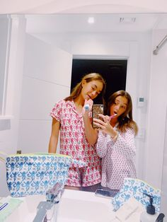 Cute Preppy Outfits, Preppy Girl, Preppy Style, Rush Outfits, Roller Rabbit, Cute Poses, Besties, Friends, Homescreen Wallpaper