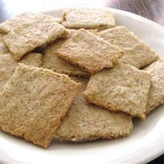 """Low-Carb Almond Garlic Crackers 
