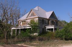 Forgotten Texas: 15 Abandoned Places Nature Is Reclaiming Micoley's picks for #AbandonedProperties www.Micoley.com