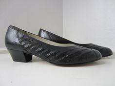 80s Black Leather Pumps by Lady Gabor, US 7 EUR 37,5 UK 4,5 // Vintage Low Heel Court Shoes