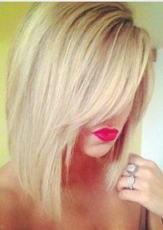 Lovee this long bob haircut !