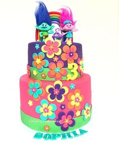 Flower decs like this Trolls Birthday Party, Troll Party, Bday Girl, Birthday Cake Girls, 5th Birthday, Birthday Ideas, Bolo Trolls, Trolls Cakes, Bolo Fake Eva