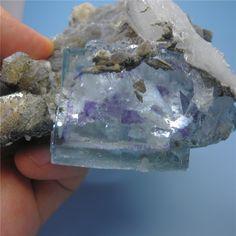 Yaogangxian minérale naturelle inclusions Fluorite cristal minérale naturelle minerai échantillons collection de gemmes brutes(China (Mainland)) ════════════════════════════ http://www.alittlemarket.com/boutique/gaby_feerie-132444.html ☞ Gαвy-Féerιe ѕυr ALιттleMαrĸeт   https://www.etsy.com/shop/frenchjewelryvintage?ref=l2-shopheader-name ☞ FrenchJewelryVintage on Etsy http://gabyfeeriefr.tumblr.com/archive ☞ Bijoux / Jewelry sur Tumblr
