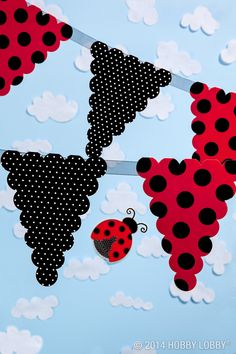 Set the scene for a lady-bug birthday party with a polka-dot pennant banner. 4th Birthday Parties, Baby Birthday, Frozen Birthday, Festa Lady Bag, Miraculous Ladybug Party, Ladybug Girl, Ladybug Crafts, Party Time, First Birthdays