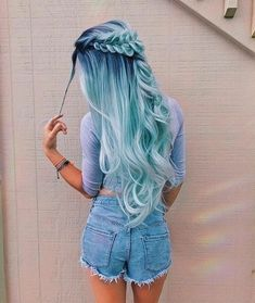 Pastel hair color is now more popular than ever, mainly because of beautiful and enviable tones. Like any color, the best thing is that you can shake light blue hair at will, including highlights, ombre and two-tones. This extreme hair color is cert Hair Dye Colors, Ombre Hair Color, Cool Hair Color, Pastel Ombre Hair, Ombre Nail, Hair Styles With Color, Unique Hair Color, Hair Colour Ideas, Gradient Hair