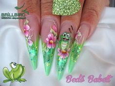 I like in this how dots were used to look like drooping flowers Rose Gold Nails, Green Nails, Toe Nail Designs, Acrylic Nail Designs, Bling Nails, Swag Nails, One Stroke Nails, Edge Nails, Colorful Nail Art