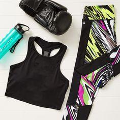Power through your #wednesdayworkout with the Clara Sports Bra and the Penzy Capri. Go go go! #workoutclothes #athleticwear