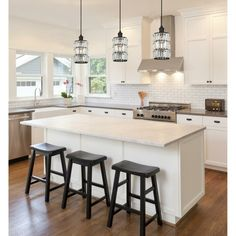 There is no question that designing a new kitchen layout for a large kitchen is much easier than for a small kitchen. A large kitchen provides a designer with adequate space to incorporate many convenient kitchen accessories such as wall ovens, raised. Kitchen Interior, New Kitchen, Interior Design Living Room, Kitchen Decor, Kitchen Ideas, Kitchen Designs, Awesome Kitchen, Kitchen Colors, Kitchen Inspiration