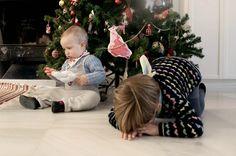 Pigs & Roses. Christmas time. Tree. Brothers. Entre hermanos. Feliz Navidad. Y a la vuelta más de lo absolutamente imperfecto.