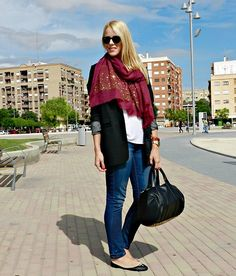 Studs scarf  (by Cristina Aznar) http://lookbook.nu/look/4122156-studs-scarf