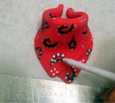 cupcakes by dusty: Bandana Makin!