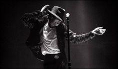 Michal Jackson dancing