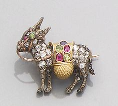 A diamond and gem-set donkey brooch - too funny Horse Jewelry, Animal Jewelry, Jewelry Art, Fashion Jewelry, Funky Jewelry, Vintage Jewelry, Online Gratis, Victorian Jewelry, Vintage Brooches