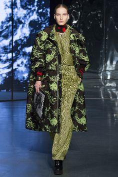 Sfilata Kenzo Paris - Collezioni Autunno Inverno 2014-15 - Vogue
