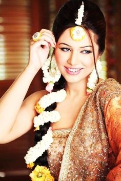 Pakistani model Ayan Ali in Pakistani wedding dress