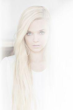 senior portrait?:)   @Michelle Costamagna Honiker-Yarbrough