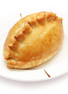 chicken in puff pastry for one day with Kait and I get crazy in the kitchen Puff Pastry Chicken, Spinach Puff Pastry, Puff Pastry Recipes, Puff Pastries, Greek Recipes, Mexican Food Recipes, Filo Recipe, Australian Meat Pie, Finger Food Appetizers