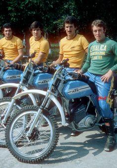 Imerio Testori and the Official KTM team. Motocross Love, Enduro Motocross, Enduro Motorcycle, Vintage Motocross, European Motorcycles, Vintage Motorcycles, Enduro Vintage, Ktm Adventure, Off Road Bikes